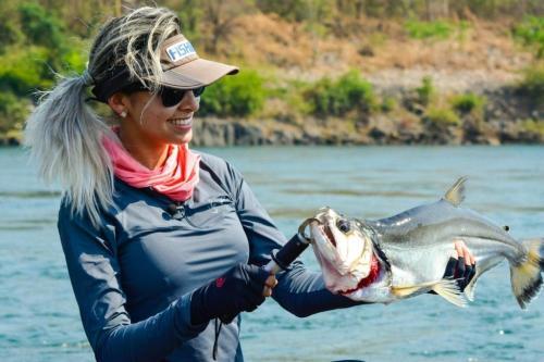 Laís Vanessa, apresentadora do programa e praticante de pesca esportiva