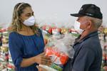 O Projeto Ajude o Próximo recebeu 300 cestas para doar a famílias vulneráveis