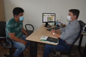 Ruraltins recebe representante indígena, Wagner Javaé para dar continuidade aos projetos de bovinocultura na Ilha do Bananal