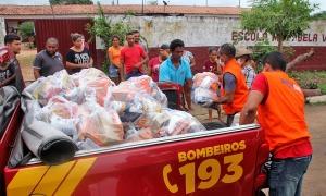 Alimentos arrecadados vão atender famílias carentes no estado