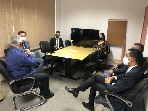 Na ATI os representantes foram recebidos pelo Vice-presidente da agência, Pedro Luís de Oliveira