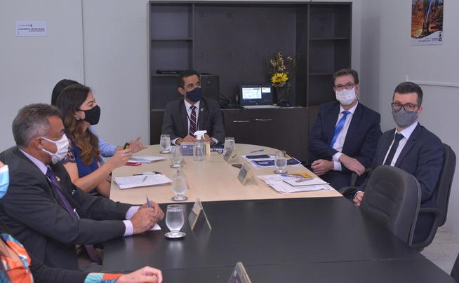 Na ATI os representantes foram recebidos pelo Vice-presidente da agência, Pedro Luís de Oliveira - Créditos: Flávio Cavalera / Governo do Tocantins