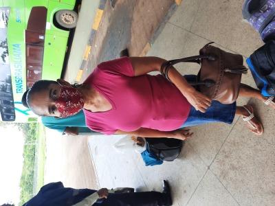 A dona de casa, Sandra Avelino, garante esta sempre de máscara