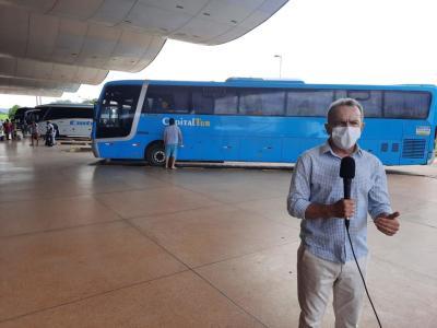Presidente da ATR, Edson Cabral  esteve na rodoviária de Palmas reforçando orientações a passageiros e fiscais