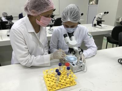 Foto 01 Projeto Científico PPSUS - UFT -FAPT - Araguaína - Participação da aluno Rita - Credito - Georgya Laranjeira.JPG