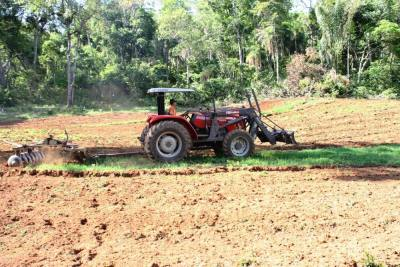 Governo está com projeto pré-aprovado para a aquisição de 36 tratores agrícolas