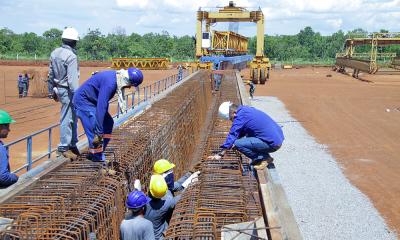 Vigas estão sendo construídas no canteiro de obras localizado na TO-050