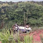 Em Palmas, um veículo Corsa capotou na TO - 020, quando seguia em direção a Aparecida do Rio Negro
