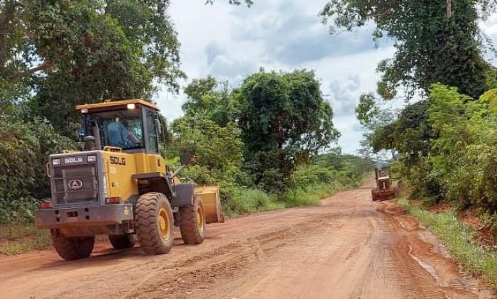 Trabalhos de revestimento e patrolamento estão sendo realizados na TO-239, entre Itacajá e Itapiratins