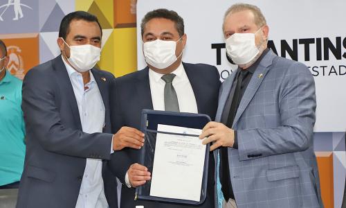 Posse: Wanderlei Barbosa, Jairo Mariano e o governador Mauro Carlesse