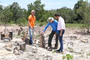 Vice-presidente Rafael Felipe visita uma das afloradas do Monumento