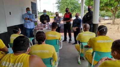Pastor UNP e gestores da Seciju promoveram um momento de oração com os custodiados da Unidade Penal de Palmas