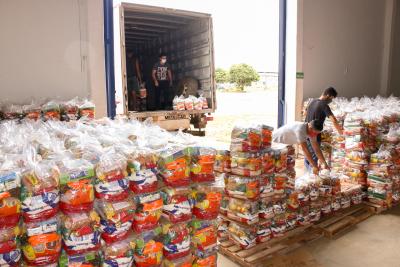 Até o momento já são 600 mil kits de alimentos distribuidos pelo Governo do Tocantins, por meio da Secretaria do Trabalho e Desenvolvimento Social (Setas), nos 139 municípios