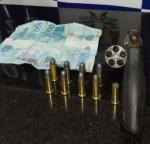 Polícia Civil apreende arma de fogo, munições e dinheiro com o homem suspeito de cometer o crime