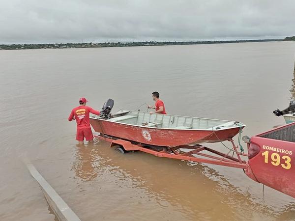Mergulhadores do Corpo de Bombeiros Militar enfrentam o terceiro dia de buscas em Couto Magalhães