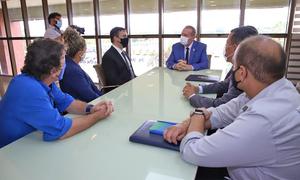 Governador Mauro Carlesse e o sócio da empresa Freedom Partners na manhã desta quarta-feira, 3, em reunião no Palácio