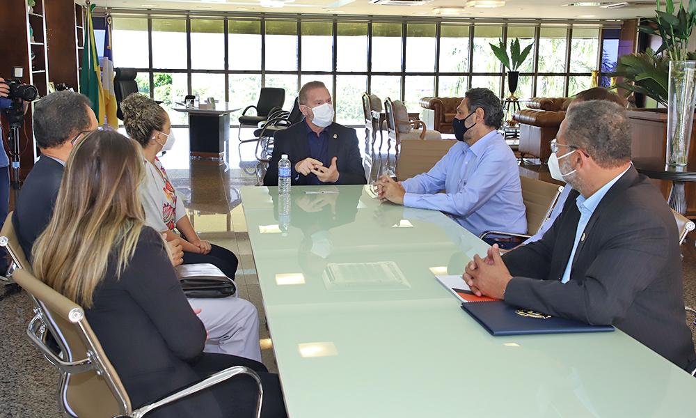 Durante encontro, ficou acordado que gestores trabalharão juntos para viabilizar que produtos sejam embarcados na plataforma - Antônio Gonçalves/Governo do Tocantins