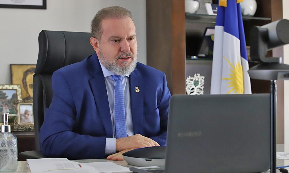 Durante a reunião, o governador Mauro Carlesse destacou que o Estado vai adquirir doses de vacinas para acelerar o número de imunizados - Antônio Gonçalves/Governo do Tocantins