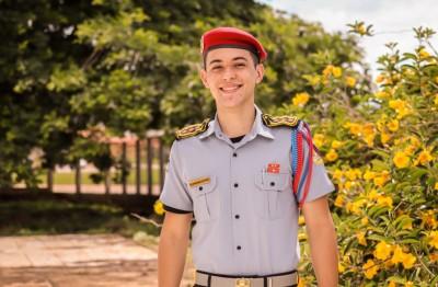 Márllon de Sousa Rêis tem 18 anos e após superar suas dificuldades com produção de texto conseguiu 960 pontos na redação do Enem 2020 (Divulgação)