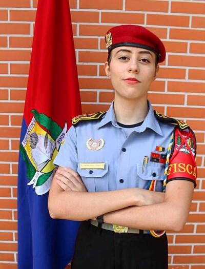 Estudante Maria Eduarda reforça que sua disciplina e o foco nos estudos foram fundamentais para o seu bom desempenho (Divulgação)