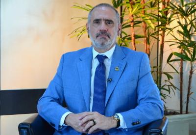 Secretário Estadual de Saúde, Edgar Tollini, recebeu representantes nesta quarta-feira