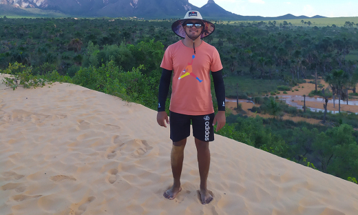 O guia de turismo Sandney Ayres Pereira, de 19 anos, concluiu o curso na terceira turma em 2020 e já ingressou no mercado de trabalho