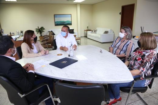 No Tocantins, o sistema da UAB no Tocantins é ofertado em parceria dos governos Federal e Estadual e Municipal, além das instituições de educação superior