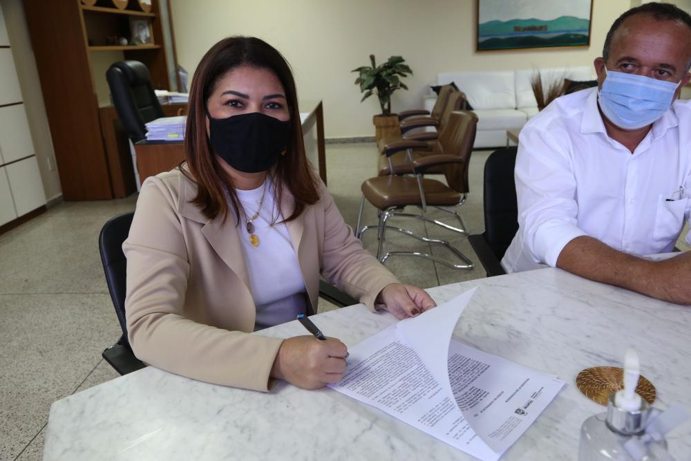 Adriana Aguiar destacou a importância da formação para os educadores e da gestão estadual municipalista - Elias Oliveira/Governo do Tocantins
