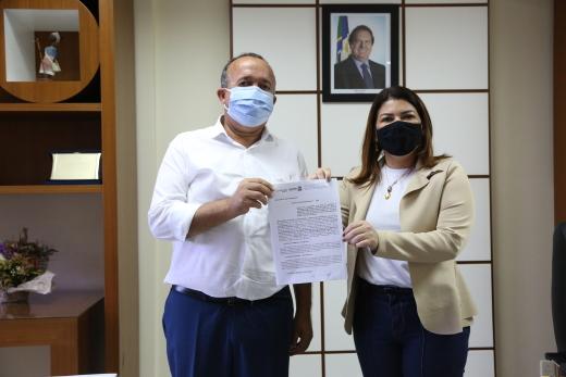 A partir de agora, a manutenção e gestão do Polo da UAB em Palmeirópolis passam a ser compartilhadas entre o Estado e a prefeitura