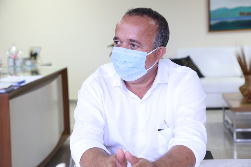 O prefeito Bartolomeu Moura Júnior expressou alegria em fazer parte da iniciativa pioneira no Tocantins - Elias Oliveira/Governo do Tocantins