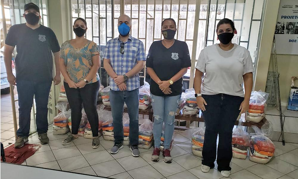 O Governo do Tocantins entregou cestas básicas, destinadas ao público atendido pela Secretaria de Estado da Cidadania e Justiça, em Gurupi - Governo do Tocantins