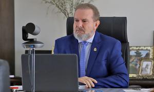 Governador Carlesse informou que a curva de contágio da Covid-19 tem diminuído no Estado, mas que é necessário manter as medidas de combate e prevenção
