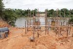Montagem da fundação para a construção da ponte já teve início