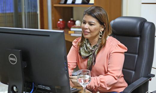 Adriana Aguiar destacou que serão priorizadas as aprendizagens essenciais, além da saúde física e emocional dos estudantes e servidores