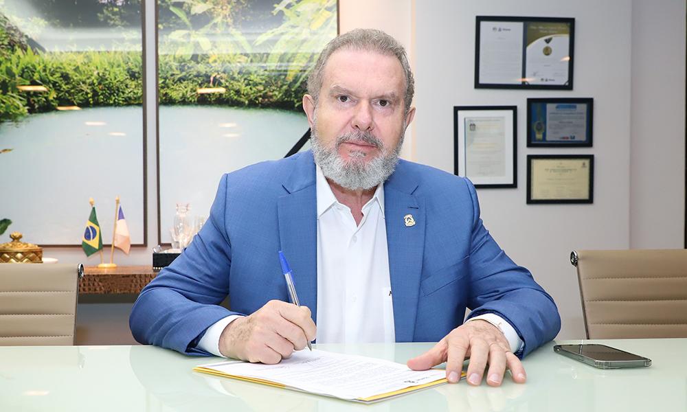 Governador Mauro Carlesse explica que, após a liberação da Anvisa, a compra do imunizante se dará em quatro etapas - Tharson Lopes/Governo do Tocantins