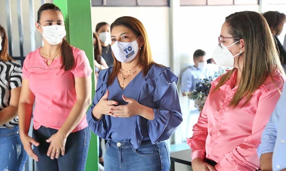 A secretária Adriana Aguiar destacou a importância da parceria escola e família - Juliana Carneiro/Governo do Tocantins
