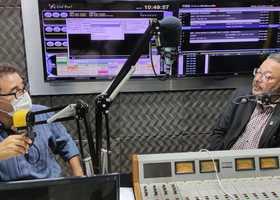 Secretário Tom Lyra participa de entrevista na rádio Nativa FM