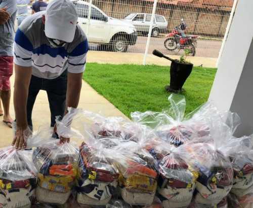 Distribuição de alimentos para a classe cultural ocorre em todo o Estado