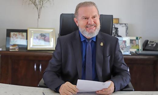 O governador Carlesse destaca que a manutenção dos contratos temporários da Educação reafirma o compromisso do Governo do Tocantins com a população, reduzindo o impacto provocado pela pandemia da Covid-19