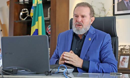 O governador Carlesse reiterou que as atividades serão liberadas à medida em que a curva epidemiológica apresente uma diminuição nos casos de Covid-19
