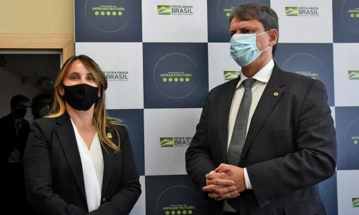 A secretária Juliana Passarin aproveitou a audiência para apresentar outras demandas que têm como objetivo fortalecer o sistema logístico do Tocantins