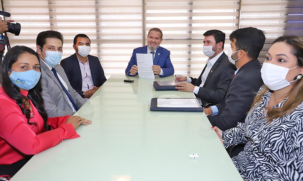O governador Mauro Carlesse afirma que desde o início de sua gestão vem investindo na Unitins e na ampliação de oportunidades aos estudantes tocantinenses - Washington Luiz/Governo do Tocantins