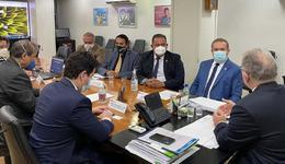 Governador Carlesse, secretário Edgar Tolini e parlamentares em audiência com o ministro Marcelo Queiroga para tratar da vacinação dos profissionais da Educação