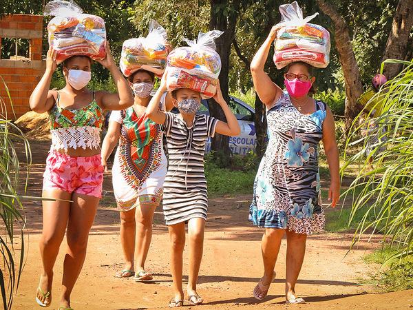 Os alimentos serão entregues aos pequenos agricultores e às comunidades tradicionais