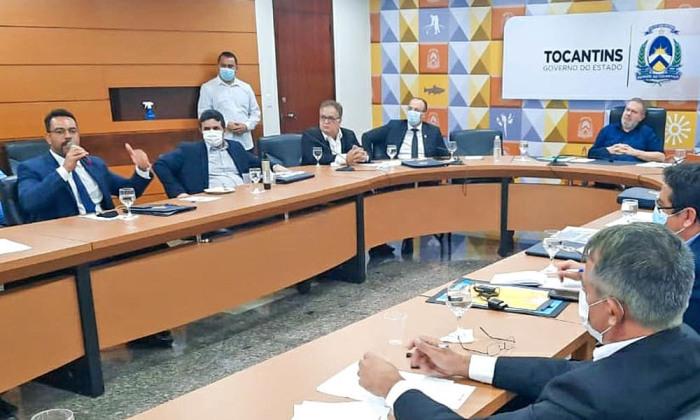 Secretário da Administração, Bruno Barreto, apresenta as principais ações desenvolvidas pela pasta em reunião com o Governador