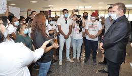 Nessa quinta-feira, 13, o Governador recebeu no Palácio Araguaia, profissionais da Enfermagem que estavam em busca de apoio para aprovação de projetos de leis que beneficiam a categoria