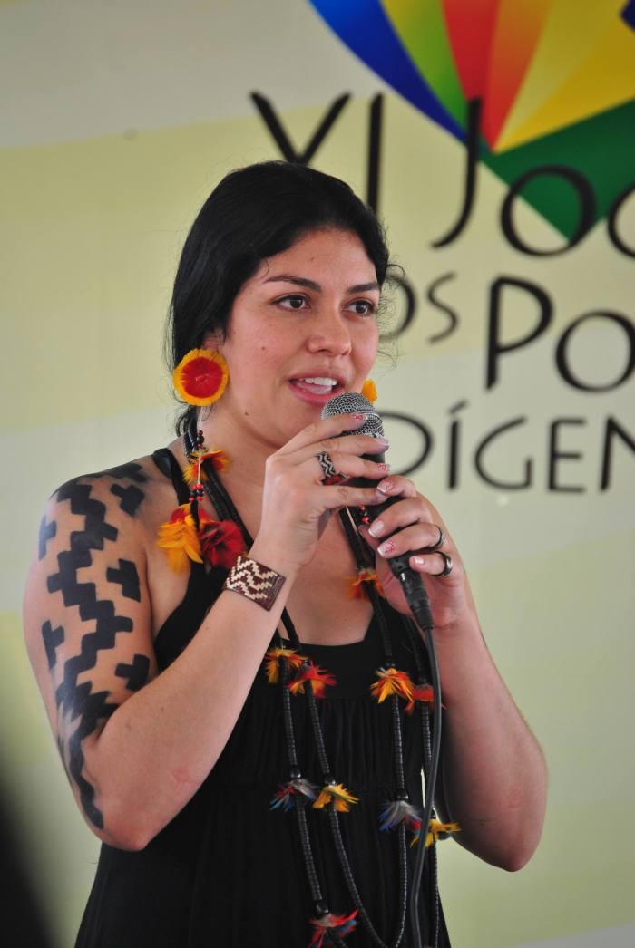 Fernanda Kaingáng no Fórum Social Indígena