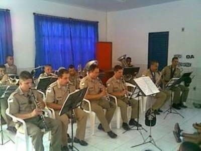 Apresentação na Escola Estadual Silva Dourado.